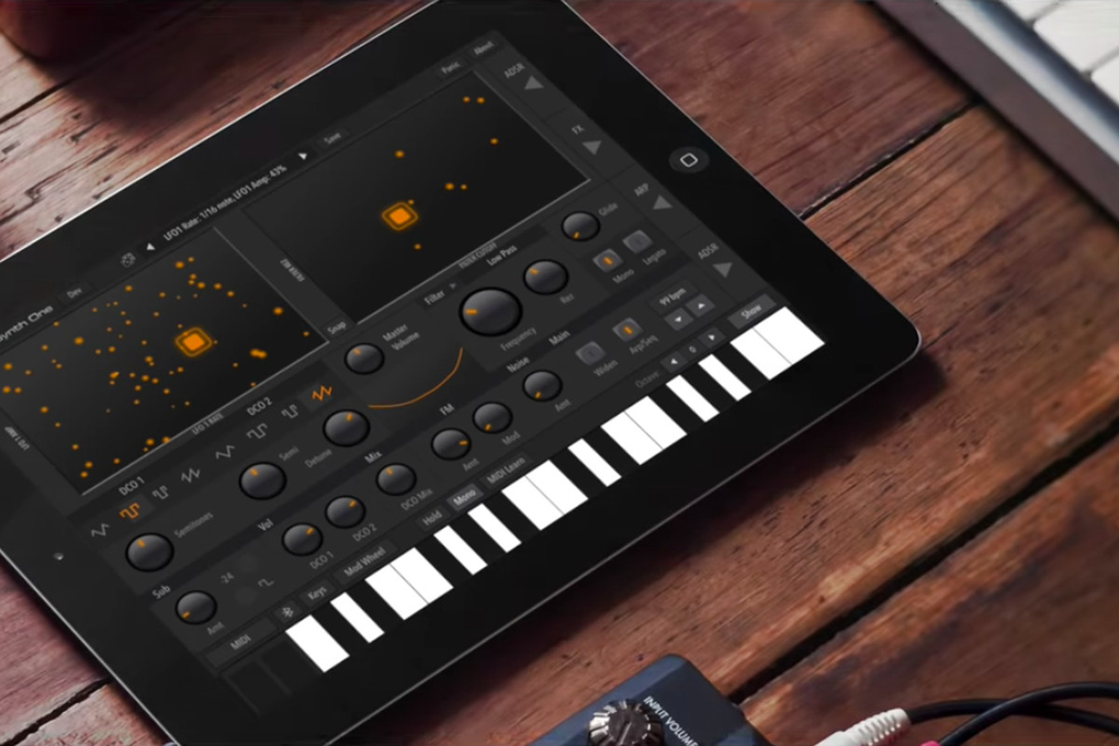 Mobilny producent: Synth One i SpaceCraft Granular Synth